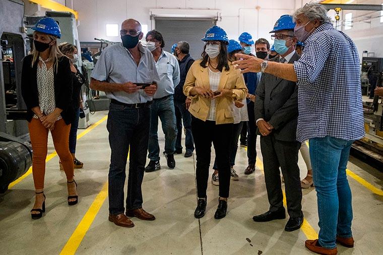 Revista Puerto - Mar del Plata - Funcionarios de Industria visitan astilleros - 04