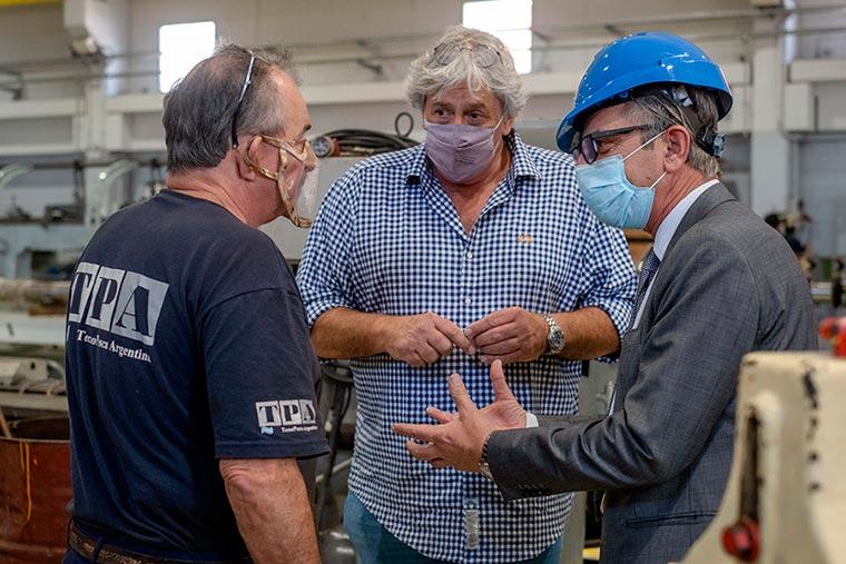 Revista Puerto - Mar del Plata - Funcionarios de Industria visitan astilleros - 06