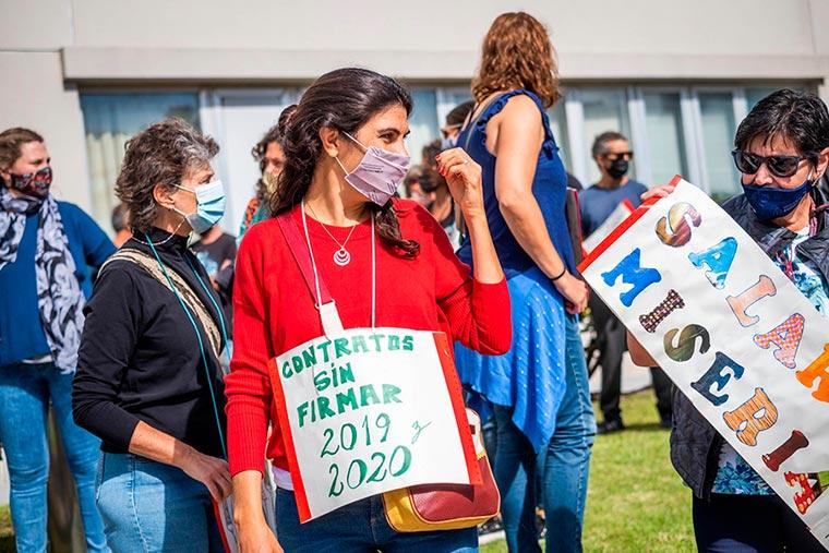 Revista Puerto - INIDEP - Protesta del personal - 04