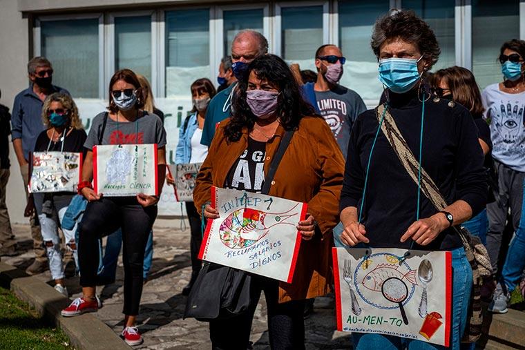 Revista Puerto - INIDEP - Protesta del personal - 08