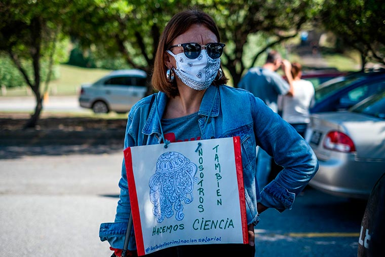 Revista Puerto - INIDEP - Protesta del personal - 09