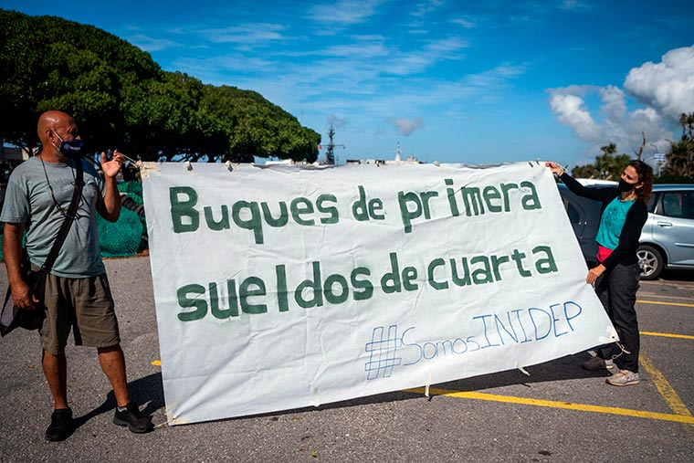 Revista Puerto - INIDEP - Protesta del personal - 10