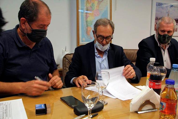 Acuerdo del SOMU con cámaras de barcos congeladores