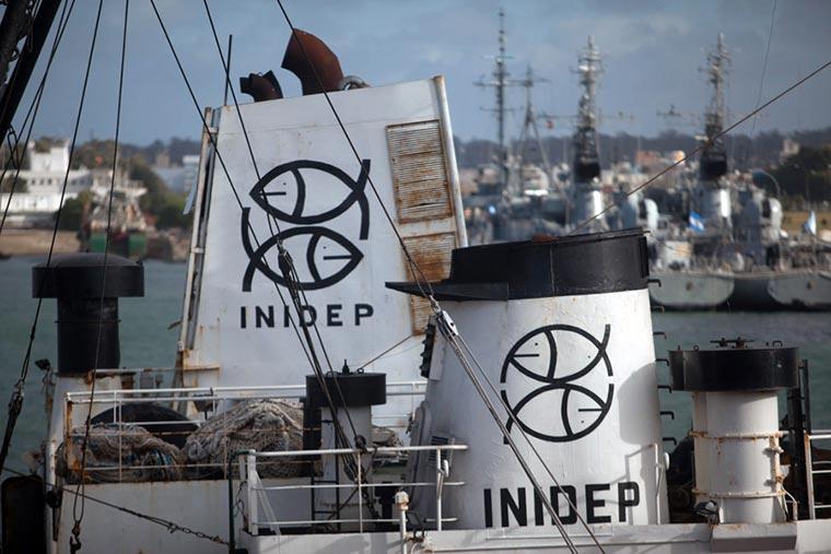 Precios bajos y nulos antecedentes en la licitación para mantener los buques del INIDEP