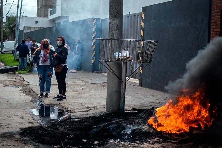Revista Puerto - Mar del Plata - Protesta frente a El Marisco - 02