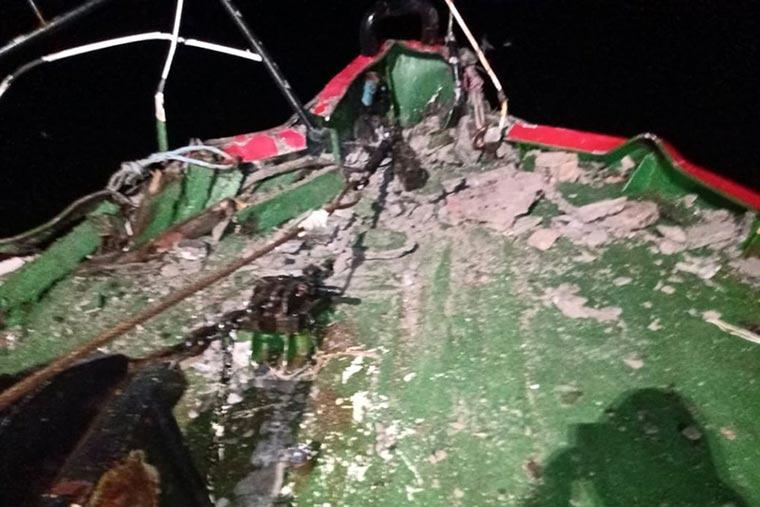 Revista Puerto - Puerto Madryn - BP Florida Blanca choca contra muelle Storni - 03