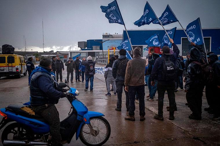 Revista Puerto - Mar del Plata - Marcha de obreros navales - 03