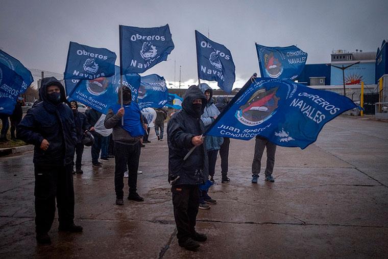 Revista Puerto - Mar del Plata - Marcha de obreros navales - 04