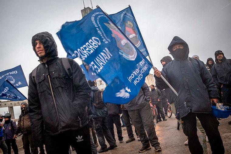 Revista Puerto - Mar del Plata - Marcha de obreros navales - 05