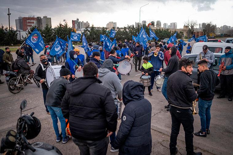 Revista Puerto - Mar del Plata - Marcha de obreros navales - 06