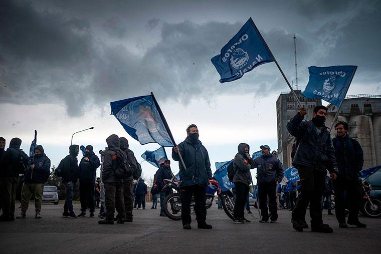Revista Puerto - Mar del Plata - Marcha de obreros navales - 07