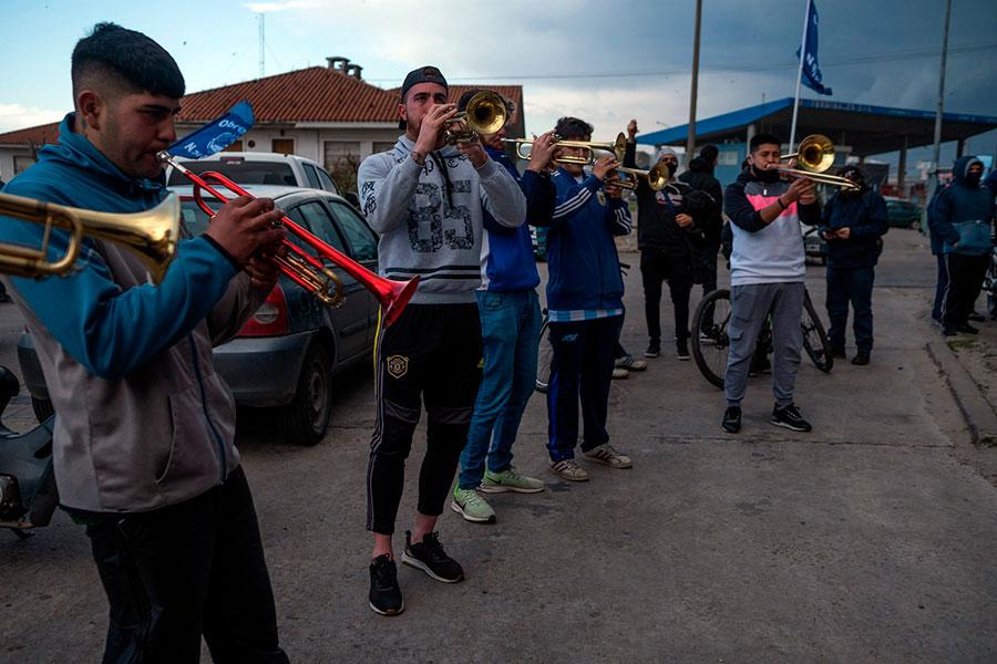 Revista Puerto - Mar del Plata - Marcha de obreros navales - 08