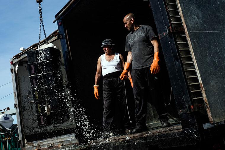 Revista Puerto - Descarga de productos pesqueros - 02